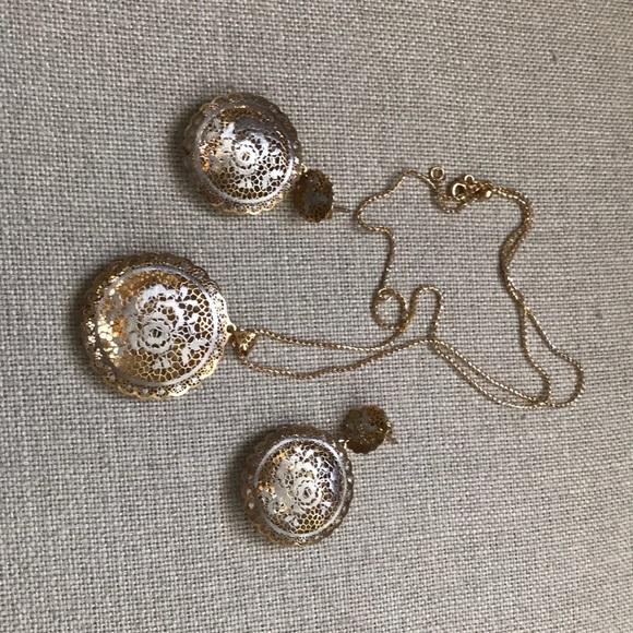 c873947259885 Jewelry - NWOTNeonero Italian lace 14k gold pendant+earrings
